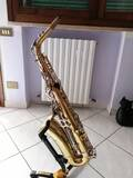 sax-alto-arrow