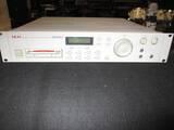 campionatore-akay-s2000-midi-stereo-con-lettore-cd